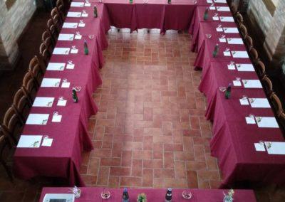 SALA FIENILE - FERRO DI CAVALLO 35 PERSONE